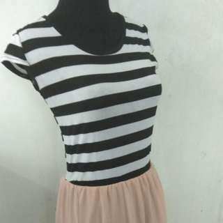 Dress lace peach strip