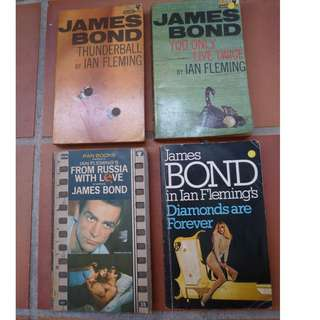 Lot of 8 Vintage James Bond Books
