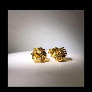 916 Gold Knot Design Earrings