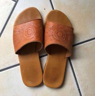 100% leather mandala slides