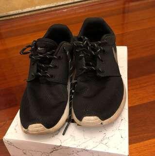 Size US7/EUR38 Womens Nike Roshe Runners