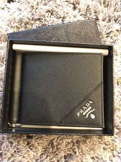 💯 Authentic Prada black saffiano leather money clip wallet