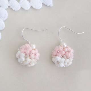 Dangle pearl flower earrings - bridesmaid gift - bridal jewelry