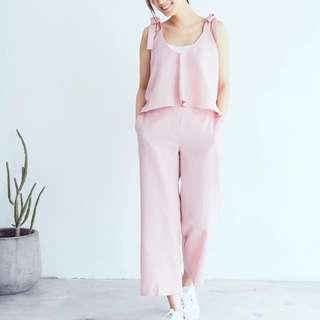 🚚 《降價!》韓國 仙女粉嫩色綁帶背心+褲子