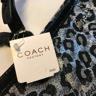 Coach F17675 Leopard Print 手袋 100% 全新正貨