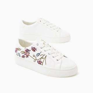 Esprit Floral Embroidered Sneakers