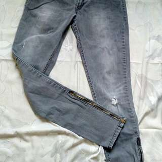 Grey skinny jeans with side zipper repriced