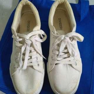 Sepatu H&m putih