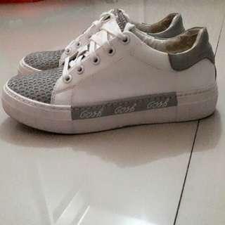 Sepatu Gosh PreLoved