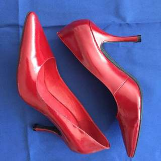 Red Patent Stilettos Sz 39 / 8 Never worn