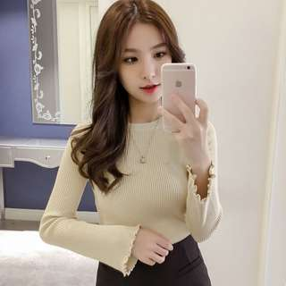 Mono-coloured Crew Neck Ruffled Sleeves Knitted Top