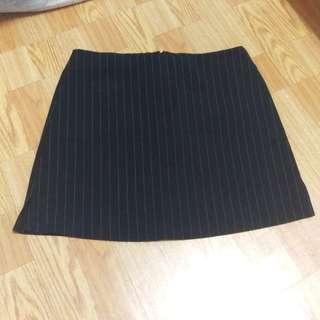 側小開衩條紋裙