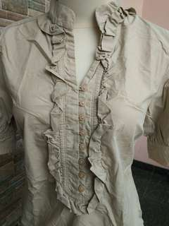 Blouse in Brown