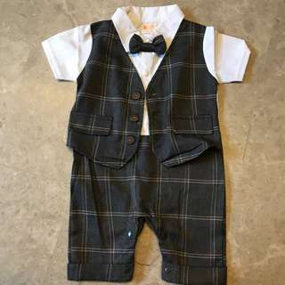 Brand New Boys suit -size 9-12 mths