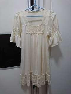 米色連身裙