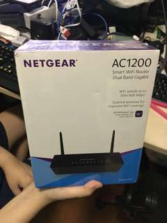 Netgear AC1200 smart WiFi router