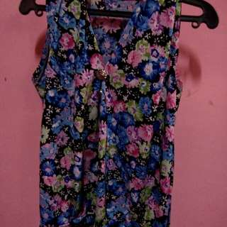 preloved floral blouse