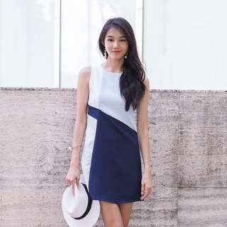 Dionne Colourblock Shift Dress In Navy
