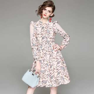 Drawstring floral prints stretchy waist dress with lace stitching on the sleeve