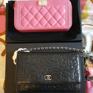 Chanel 黑色山茶花 woc wallet on chain