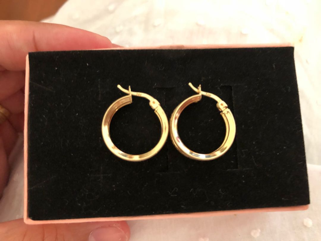 18ct real gold solid earrings with cz