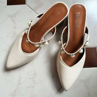 Size 38 - Korea Fashion Pearl Classic Kitten Pointed Slip On Heels (Plus plastic size pack)