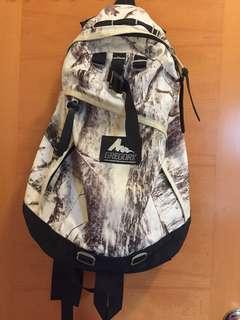 Gregory Day Pack 絕版黑白色雪地樹紋 backpack