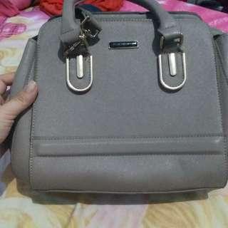 Preloved pribadi tas