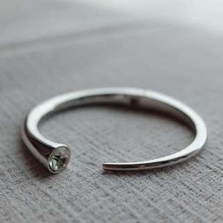 銀色寶石手扼 silver handcuff bracelet