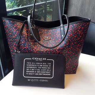 Coach Reversible Tote - red Flowery