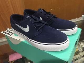 Janoski GS size6Y Nike