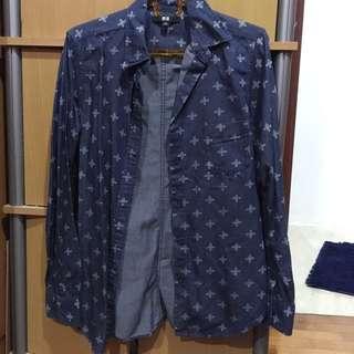 Uniqlo Blue Buttoned Top