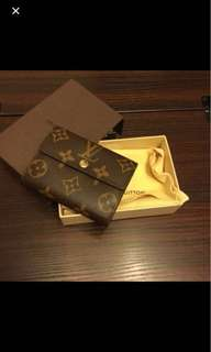 100% real & new LV card holder (兩面,也可載coins)