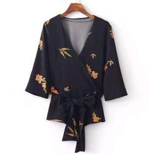 BNWOT Floral Kimono Wrap Top