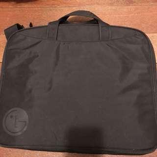 LG手提電腦袋一個