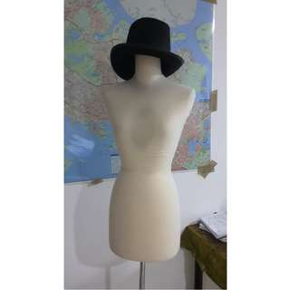 Mannequin, stand display mannequin torso body with wood leg manequine