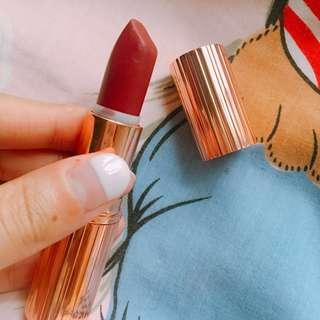 CHARLOTTE TILBURY Matte Revolution Luminous Lipstick