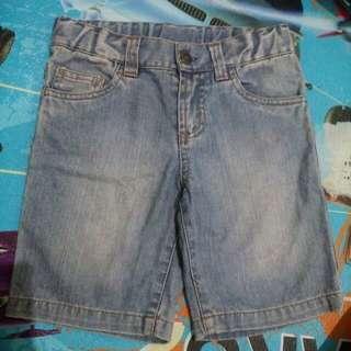 #makintebel celana pendek
