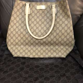 Gucci Bag - White handle