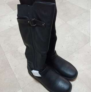 Waterproof Black Knee Length Winter Boots with Faux Fur Lining
