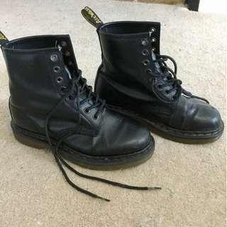 Doc Martens womens black boots size 36 (5/6/7)