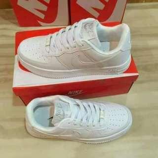 Nike airforce allwhite