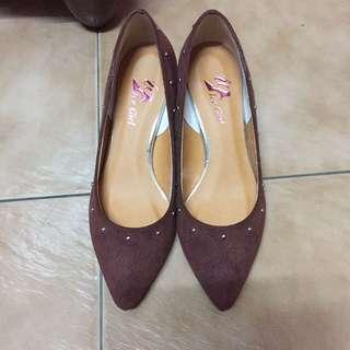 低跟尖頭鞋 尺寸21.5