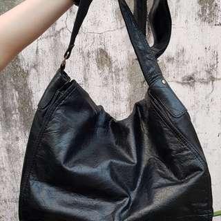 Carbon Messenger Bag