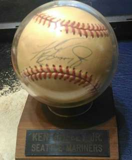 MLB 名將 Ken Greffey Jr 親簽棒球