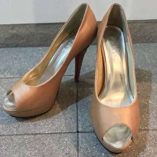GOLD PARTY HEELS