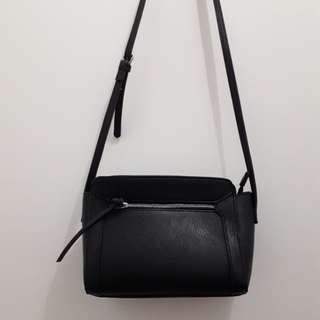 Stradivarius Sling Bag Black Original Store