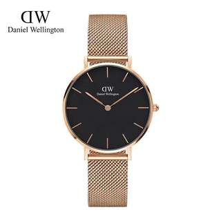 Daniel Wellington classic petite 32mm black face