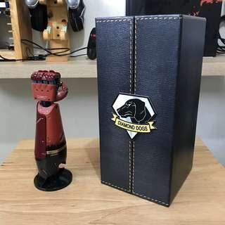 Metal Gear Solid V - Venom Snake arm (half scale replica) with box