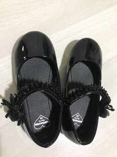 Avenue kids girl's shoes size 28
